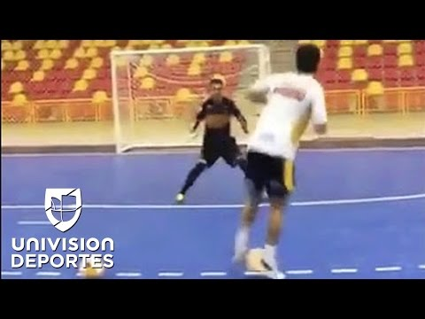 Con estas extraordinarias piruetas entrena el brasileño Falcao, el 'Rey' del Futsal